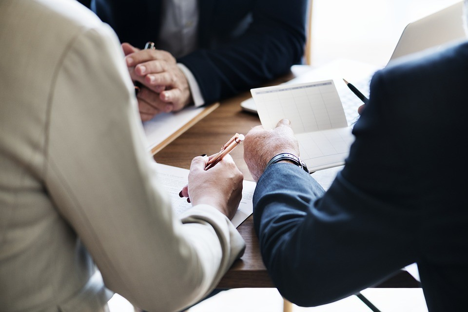 3 Signs that you need to hire an Accountant for your business.